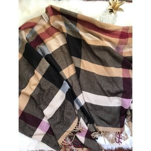 Boutique One Size Fits All Tartan Shawl/ Wrap